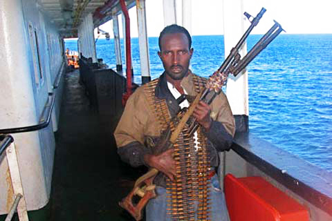 Somali-pirate-courtesy-of-Aporrea.org_